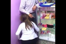 คลิปหลุดพนักงานสาวห้างดังโม๊คควยให้ผู้จัดการในร้านเครื่องสำอาง