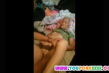 คลิปโป๊เย็ดอาม่าอายุ 74 ปี ยังไหวโดนซอยไม่ยั้งเกือบหายใจไม่ทัน