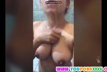คลิปหลุดสาวไลฟ์สดในห้องน้ำโชว์อาบน้ำนมใหญ่มากสงสัยจะเงี่ยน
