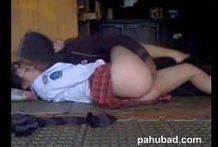 คลิปโป๊ทางบ้านน้องสาวกลับจากโรงเรียนโดนพี่ชายแอบตั้งกล้องแล้วจับเย็ดในบ้านของแท้