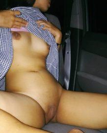 รูปโป๊เปิดหีให้ดูในรถไร้ขน
