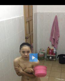 ภาพโป๊แอบถ่ายป้าอาบน้ำ
