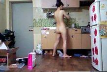 ก่อนเย็ดให้เมียสาวสุดสวยไปทำกับข้าวไว้ให้ก่อนแล้วมานั่งดูดแล้วให้ผัวเย็ดแม่บ้านของแท้
