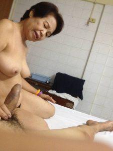 รูปหีสาวแก่แม่หม้ายไทย