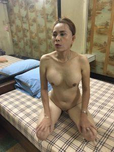 รูปโป๊สาวใหญ่ไทยแท้หียังน่าเสียบ