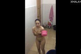 แอบถ่ายหลานสาวอาบน้ำโดนจับได้หนีแทบไม่ทันดีนะที่หลานไม่บอกใครเลยเอาคริปมาลงให้ดู