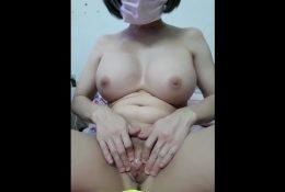 คลิปโป๊vipดูฟรีแบบยาวๆ สาวไทยพึ่งคลอดหาเงินเลี้ยงลูกตั้งกลุ่มลับไลฟ์สดโชว์หีนมอย่างแจ่ม