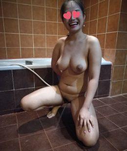 สาวไซด์ไลน์อาบน้ำล้างหีรอโดนเย็ด