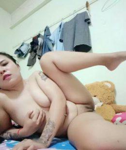 ภาพหีสาวอวบไทยผัวไม่อยู่โชว์ซะเลย
